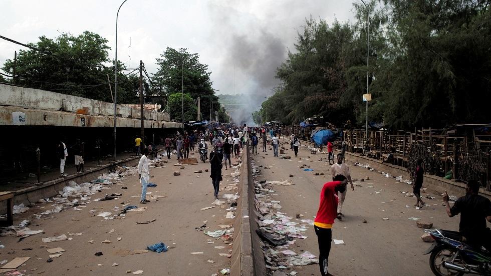 رئيس وزراء مالي يعتذر عن تجاوزات قوات الأمن