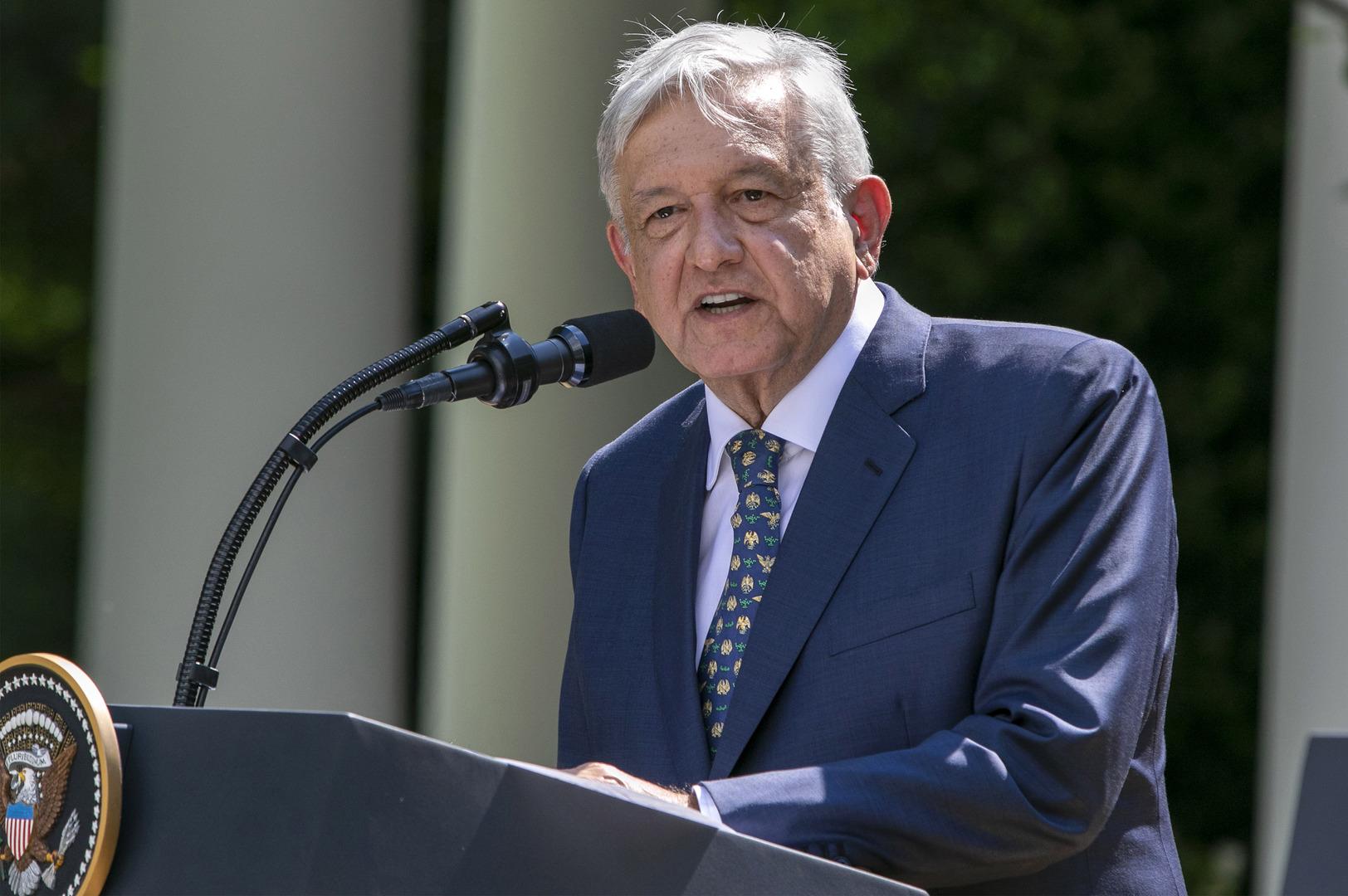 الرئيس المكسيكي يتنازل عن جزء من راتبه لدعم جهود محاربة كورونا