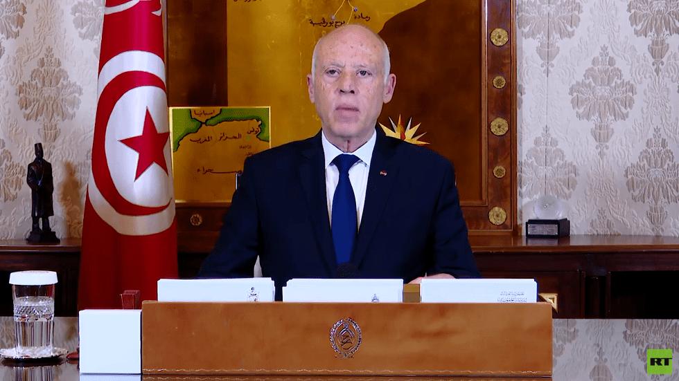 الرئيس التونسي يطالب الأحزاب بتقديم مقترحاتها لاختيار بديل الفخفاخ