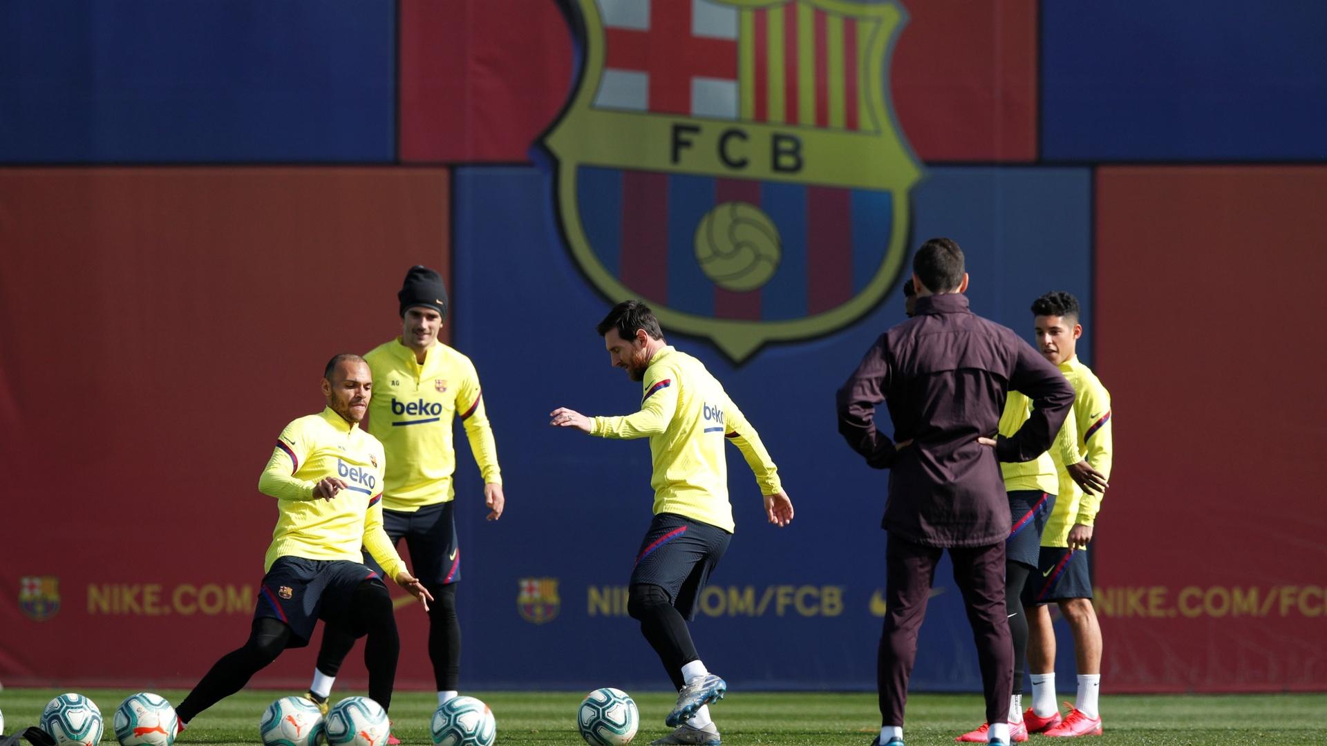 بعد ضياع اللقب.. غيابات في تدريبات برشلونة