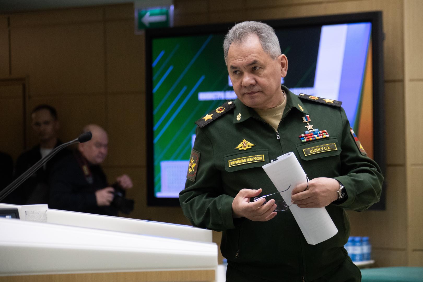 شويغو لنظيره الأذربيجاني: اختبارات الجيش الروسي المفاجئة لا علاقة لها بالوضع بين أرمينيا وأذربيجان