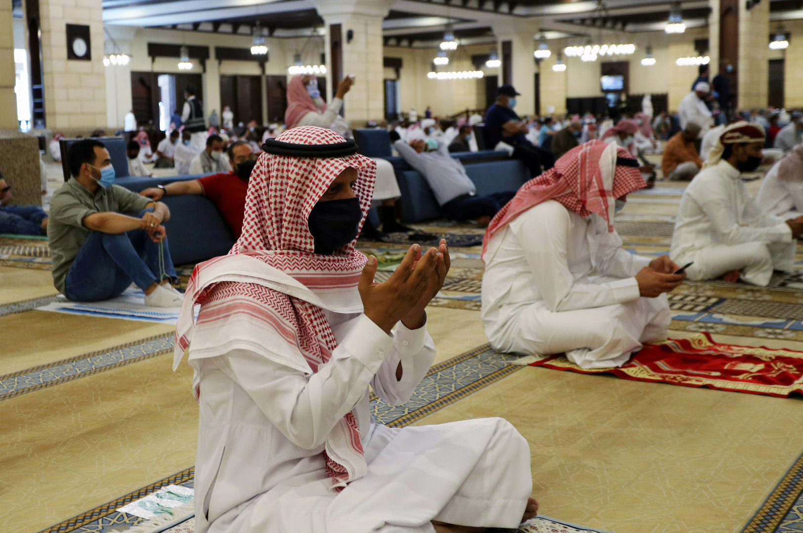 السعودية تسجل أدنى حصيلة إصابات يومية بكورونا منذ 1.5 شهر