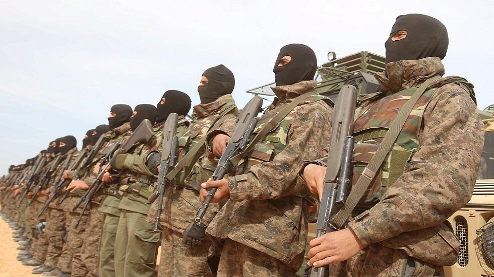 وزير الدفاع التونسي يعلق على احتجاجات الكامور والوضع على الحدود مع ليبيا