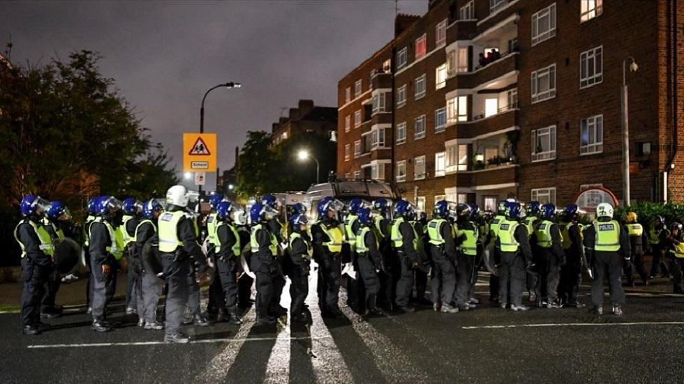 بريطانيا.. إصابة شرطيين خلال فض أحد