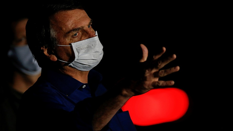 رئيس البرازيل: قيود كورونا تقتل الاقتصاد