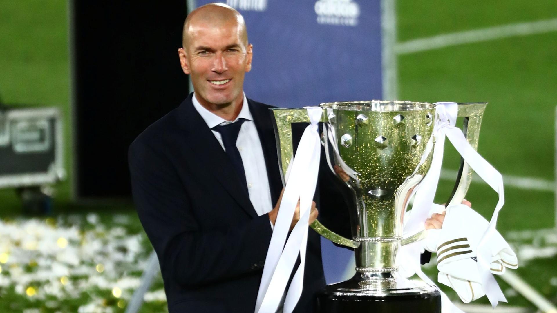 زيدان يثير الجدل حول استمراره مع ريال مدريد