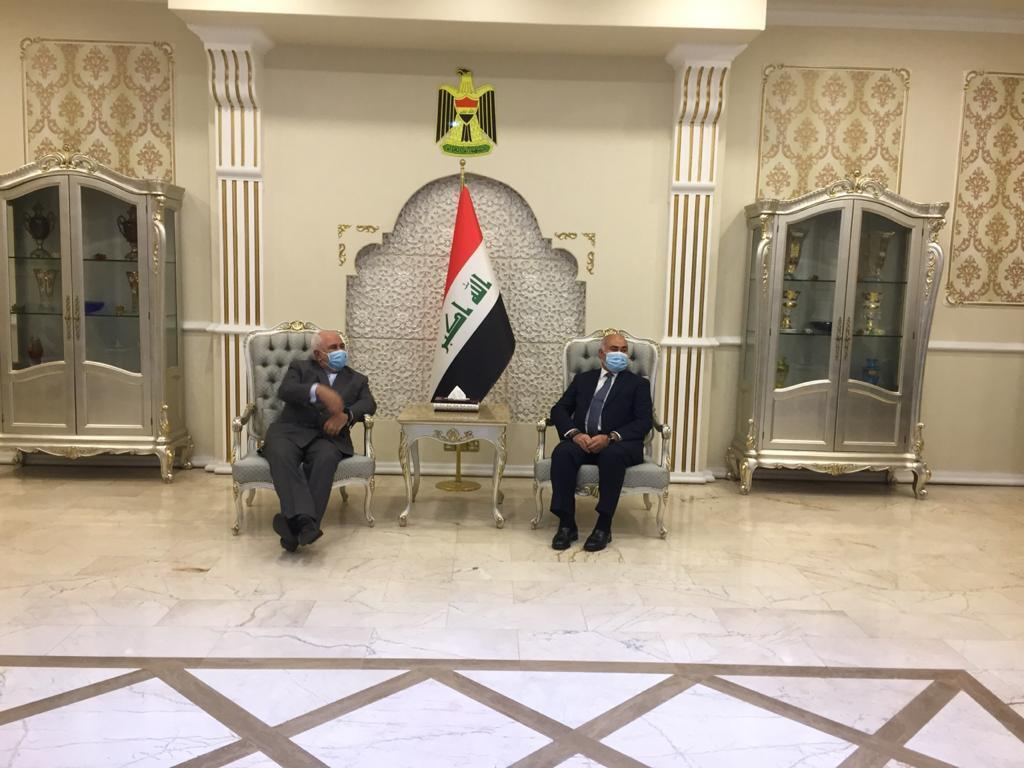 السفير الإيراني: أرسلنا طنا من المساعدات الطبية برفقة ظريف إلى العراق