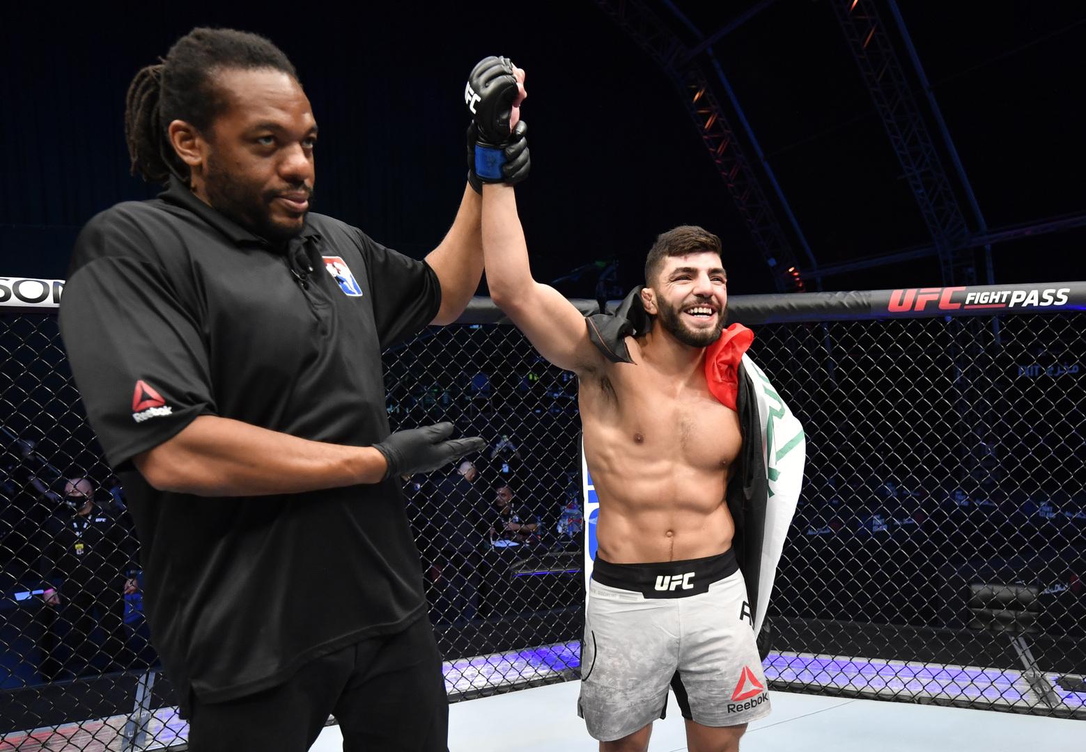 شاهد.. العراقي البازي يسجل دخوله التاريخي الأول في UFC