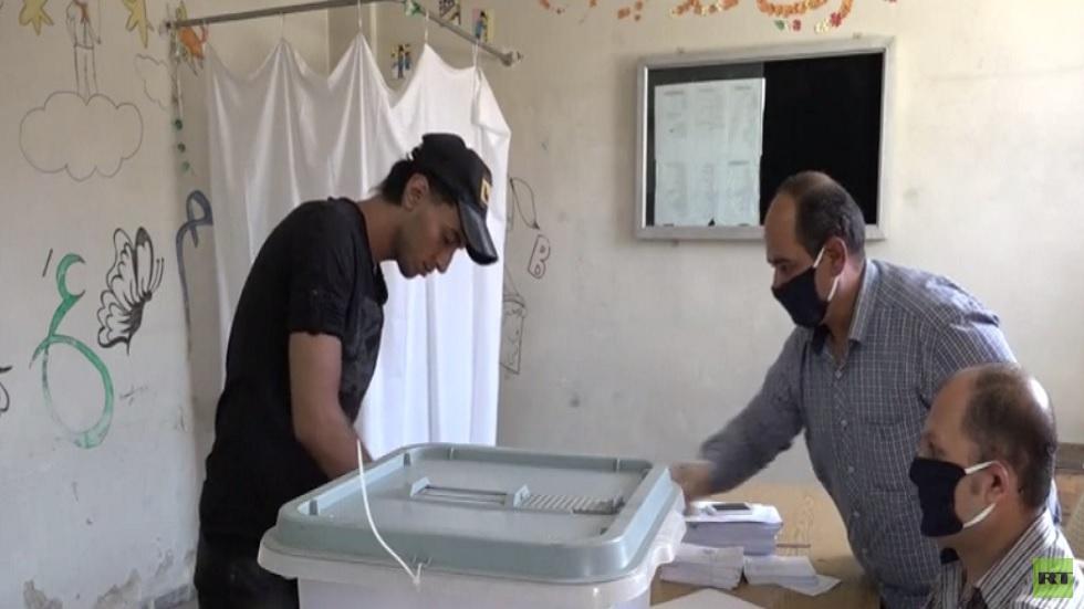 السوريون يصوتون في انتخابات مجلس الشعب