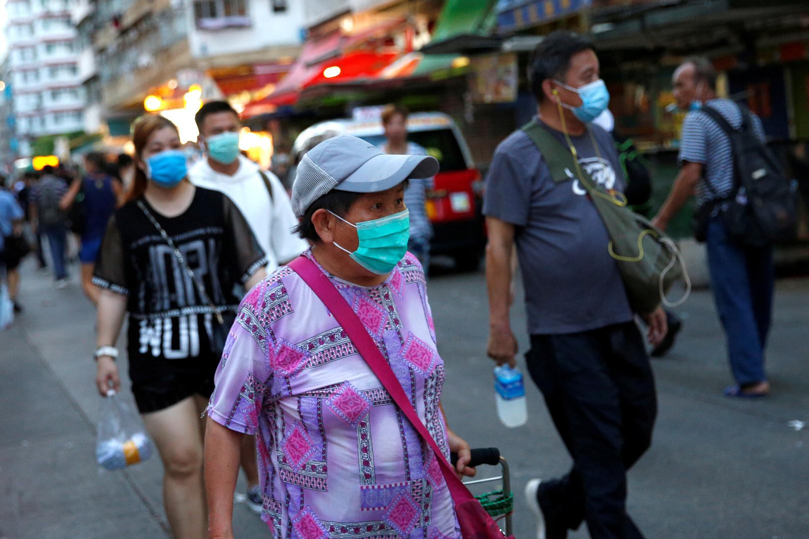 إدارة هونغ كونغ بعد ارتفاع قياسي في الإصابات: تفشي كورونا خرج عن السيطرة