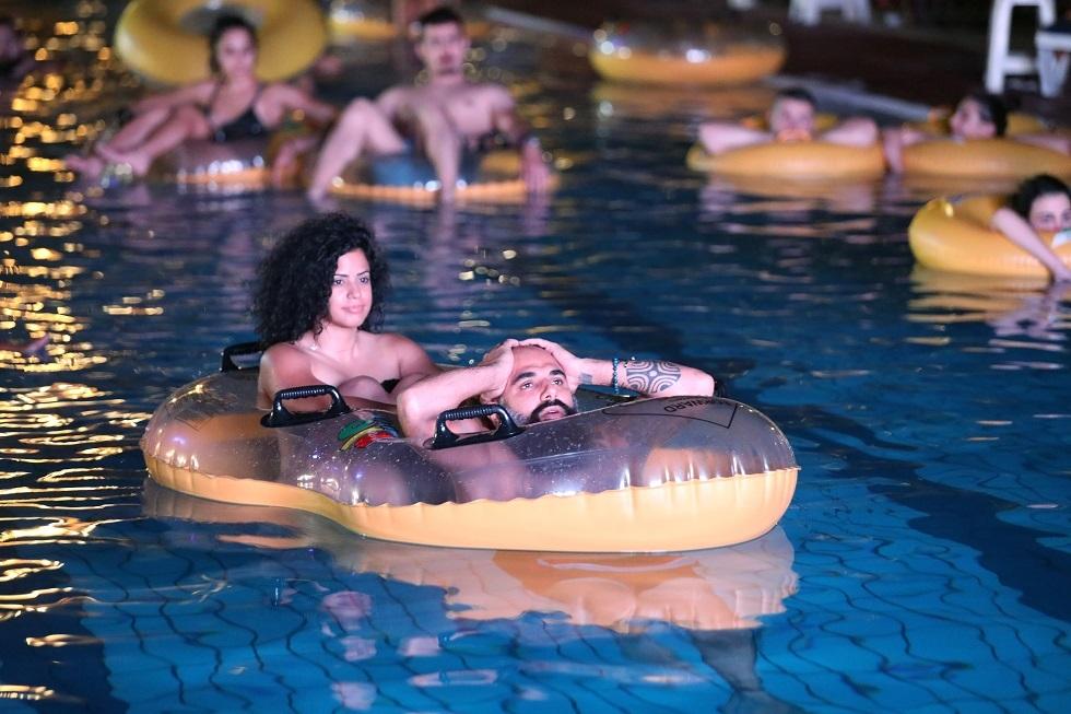 اللبنانيون يبتكرون طرقا جديدة لمشاهدة الأفلام (صور)