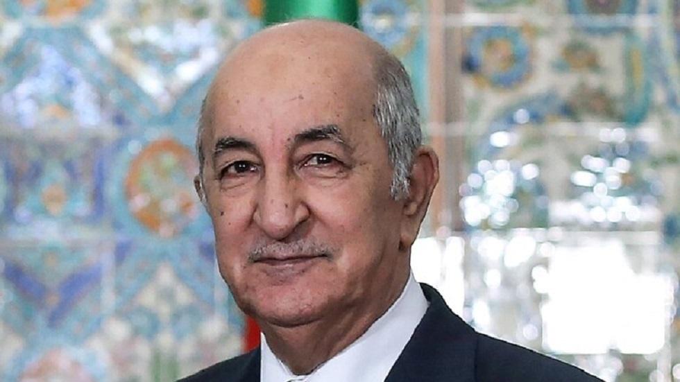 الرئيس الجزائري يتعهد باسترجاع الأموال المنهوبة ويندد بـ