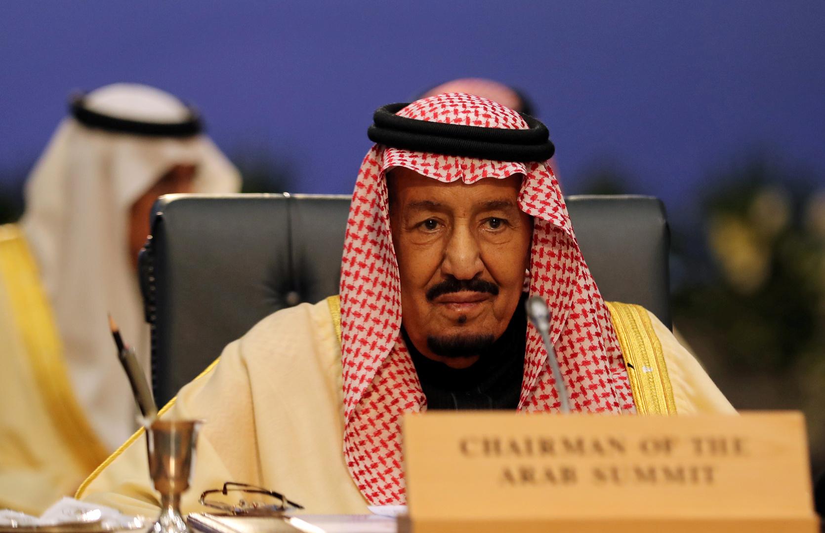 دعوات الشفاء للملك سلمان تتصدر مواقع التواصل الاجتماعي في السعودية