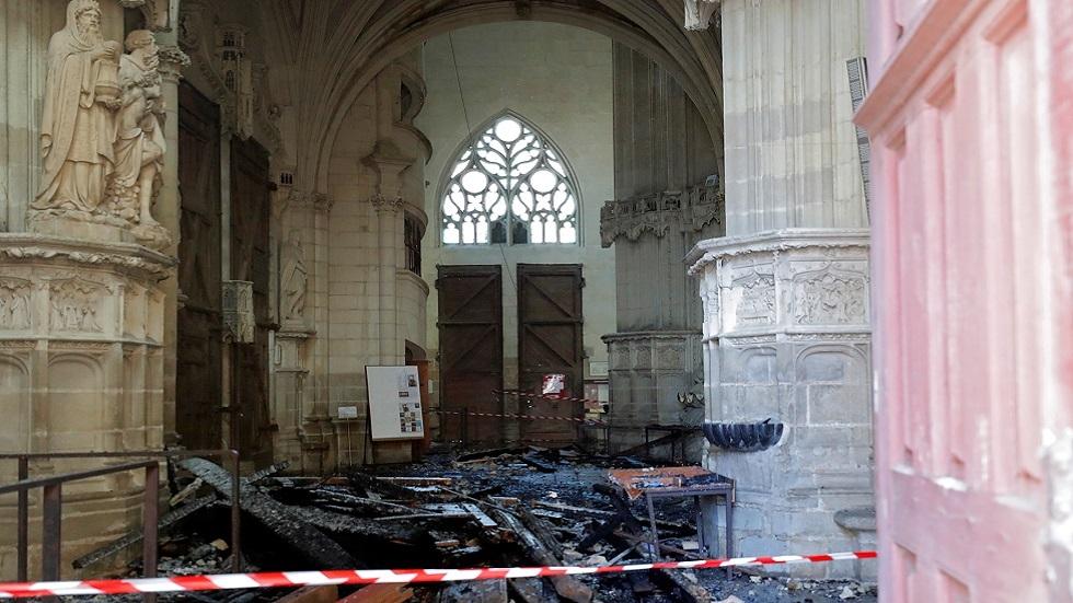 الشرطة الفرنسية تفرج عن لاجئ اشتبهت في تورطه في حريق كاتدرائية نانت