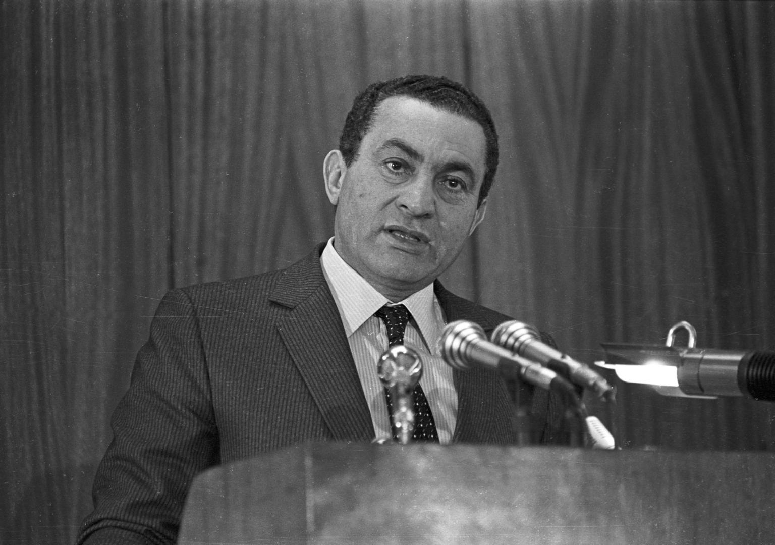 رغم الظروف.. مبارك رفض طلبا من لندن للعفو عن بريطانيين مدانين بتهريب المخدرات