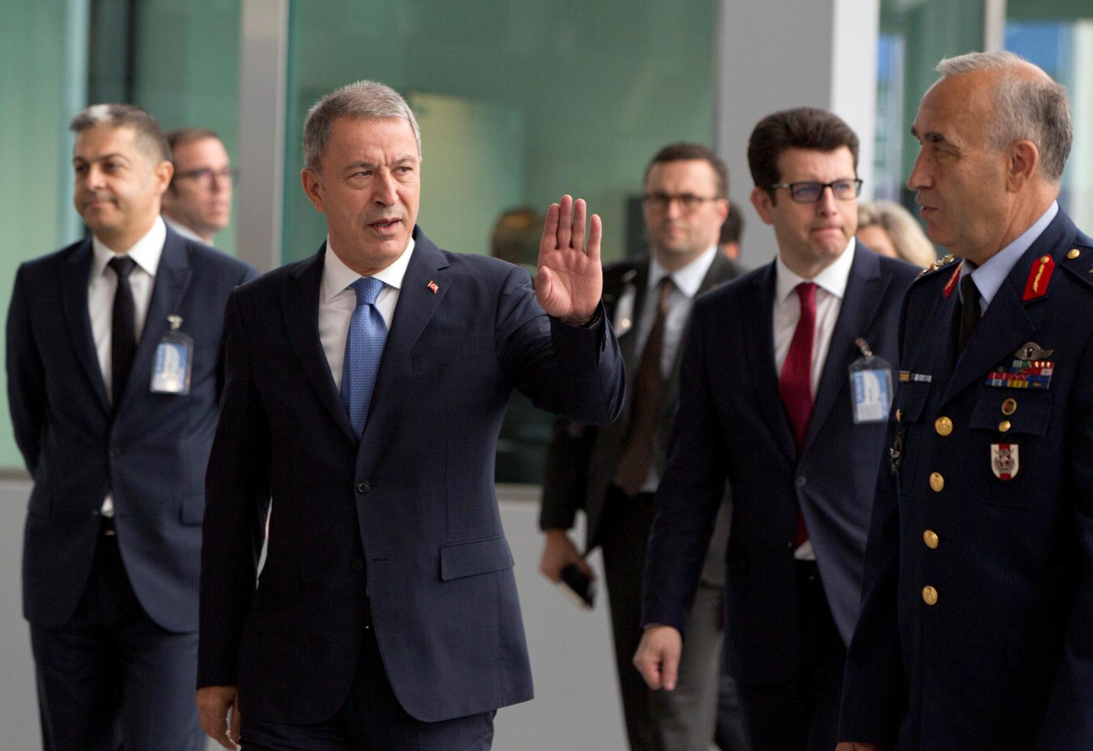 وزير الدفاع التركي يعقد اجتماعا ثلاثيا مع وزيري داخلية ليبيا ومالطا بأنقرة