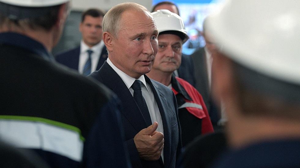 بوتين يشيد بقرار إرجاء مسيرة
