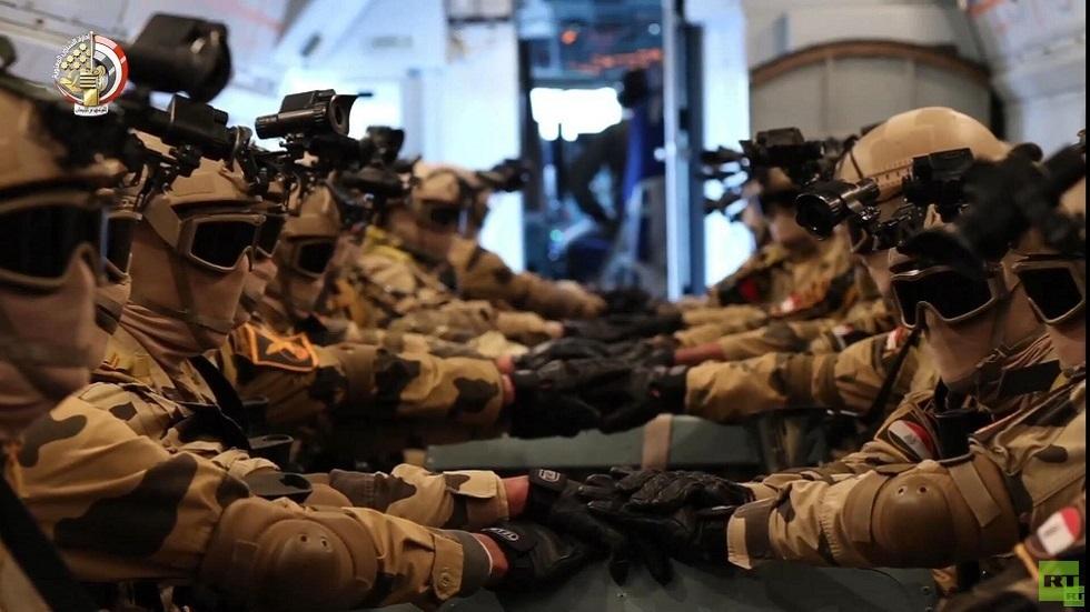 أول دولة عربية تعلق وتؤيد قرار البرلمان المصري بشأن التدخل العسكري الخارجي للجيش