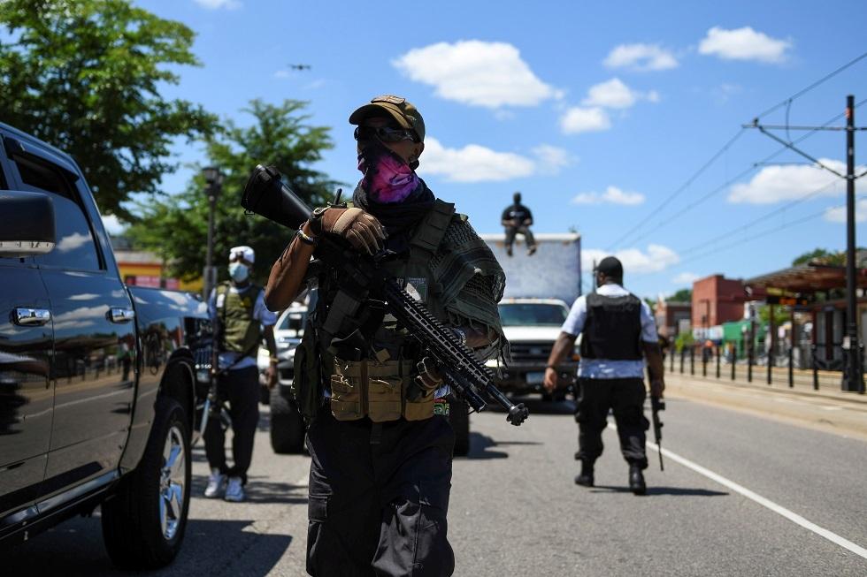 إصابة 12 شرطيا في أحداث فوضى وأعمال شغب في سياتل الأمريكية
