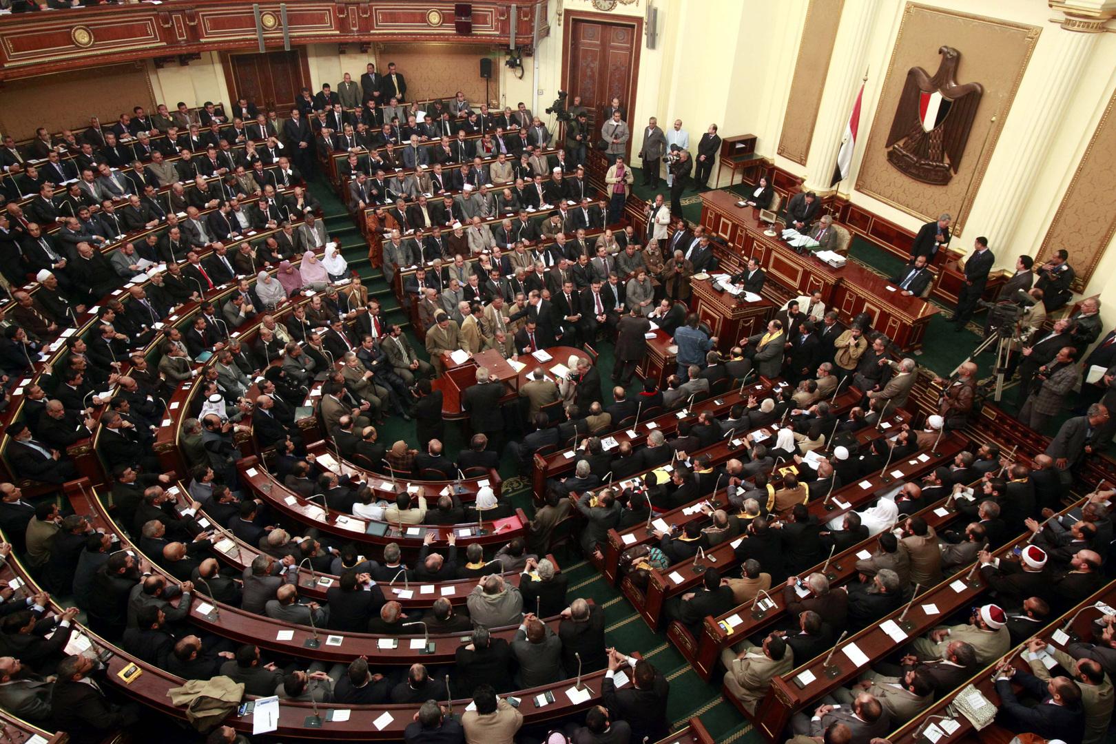 البرلمان المصري ينشر بيانا بالانجليزية حول موافقته على إرسال قوات خارج الحدود