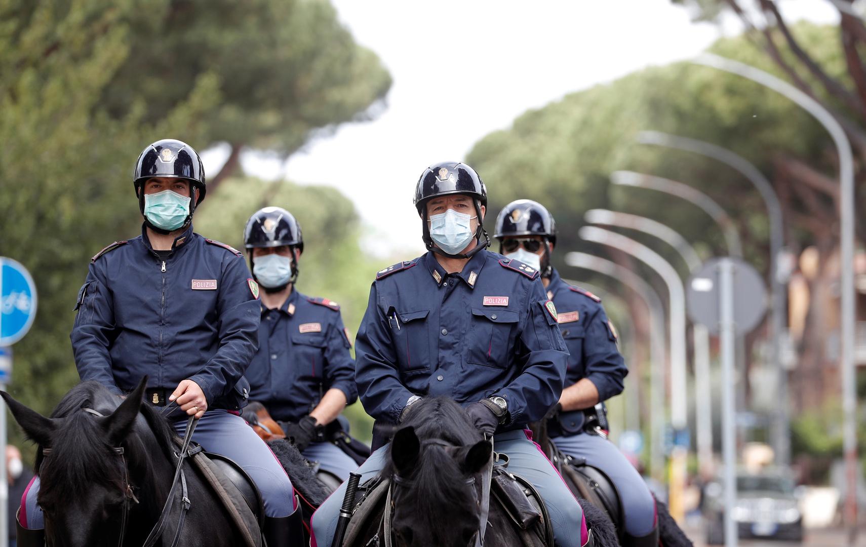 إيطاليا.. ضبط طائفة مارست لعقود اعتداءات جنسية على أتباعها من القاصرات