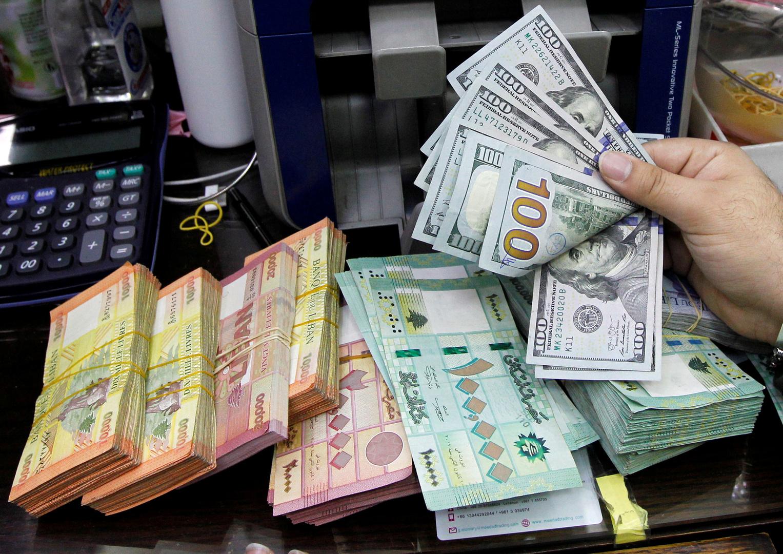 الحكومة اللبنانية توافق على إجراء تدقيق جنائي في البنك المركزي