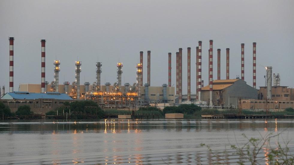 العراق يواصل ضخ النفط فوق هدف