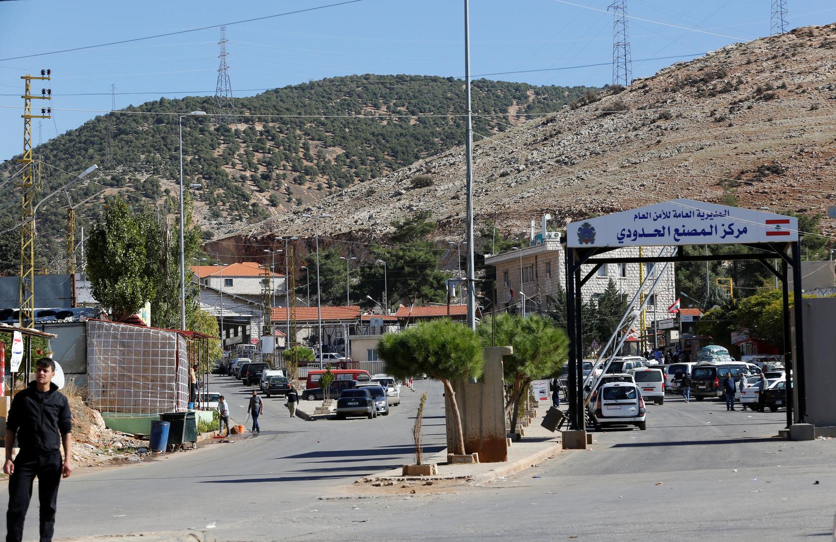 إعلام لبناني: مخابرات الجيش أقفلت 5 معابر غير شرعية مع سوريا