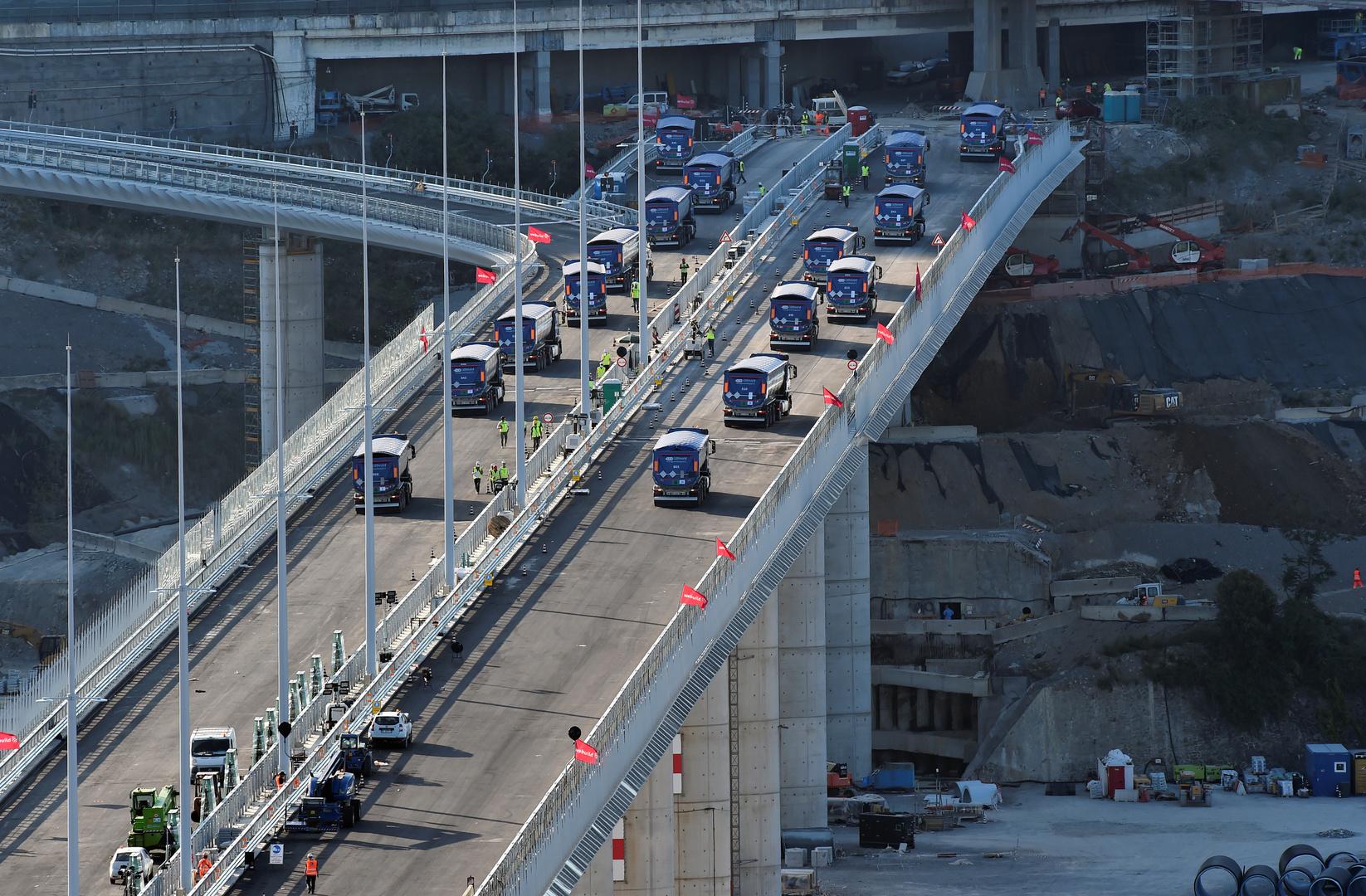 بعد عامين من الانهيار.. إيطاليا تعيد افتتاح جسر جنوة
