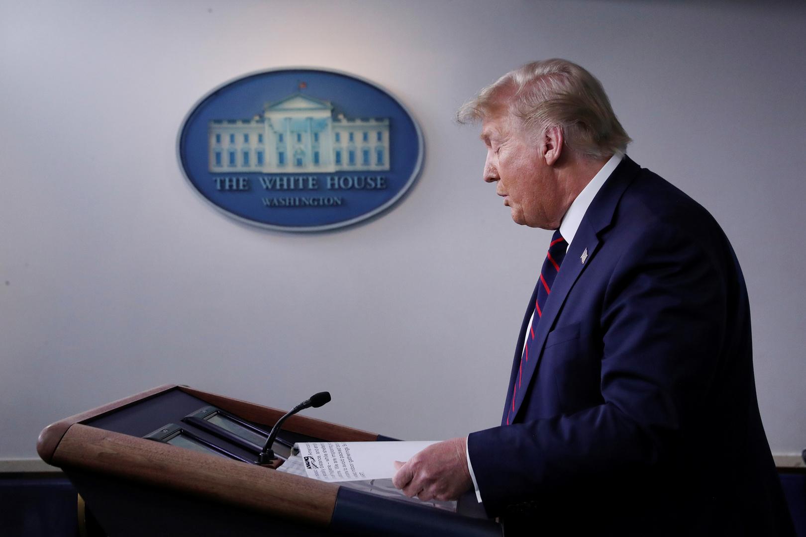ترامب يوقع مذكرة حول استبعاد المهاجرين غير الموثقين من تعداد السكان