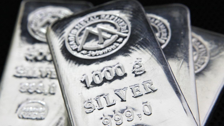 الذهب يسجل ذروة جديدة في 9 سنوات