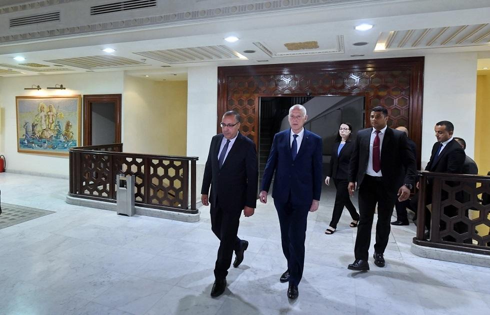 الرئيس التونسي: من يتآمر على الدولة ليس له مكان فيها (فيديو)