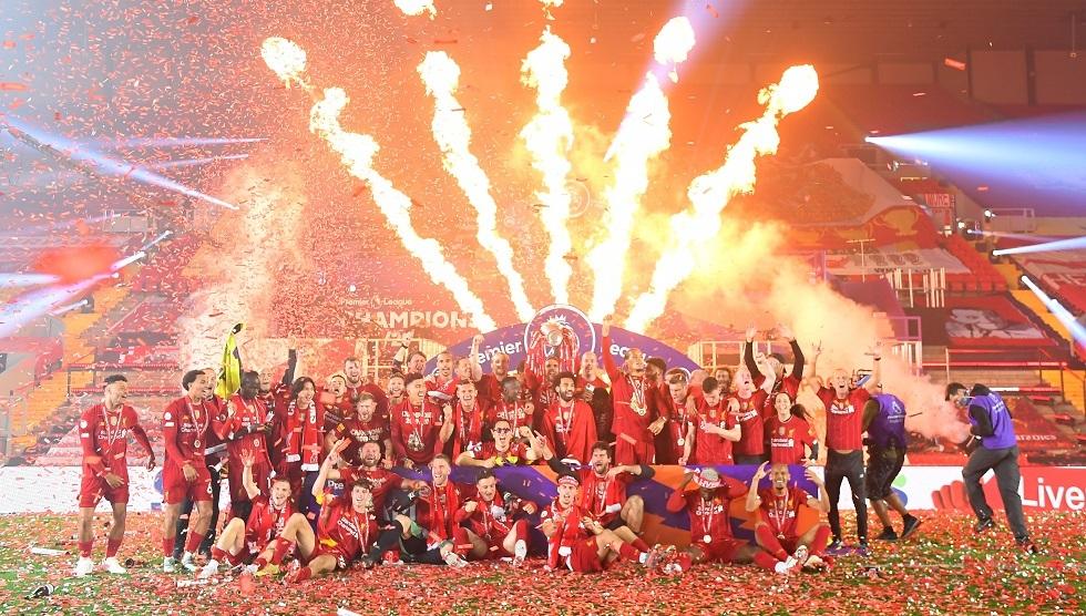 ليفربول يحتفل بلقب الدوري الممتاز بعد مباراة