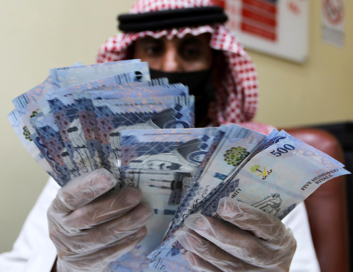 انخفاض قيمة صادرات النفط السعودية