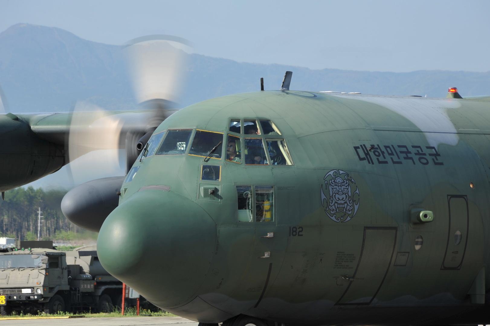 كوريا الجنوبية تجلي رعاياها من العراق بطائرات عسكرية