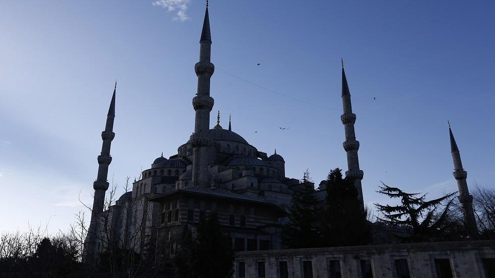 تركيا.. تعيين 3 أئمة و5 مؤذنين لـ