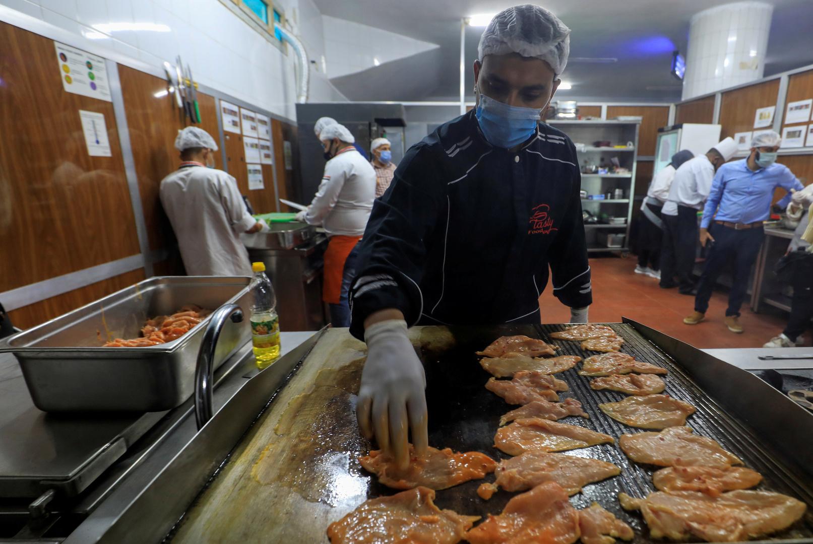 مصر تسجل 668 إصابة جديدة بفيروس كورونا و40 حالة وفاة