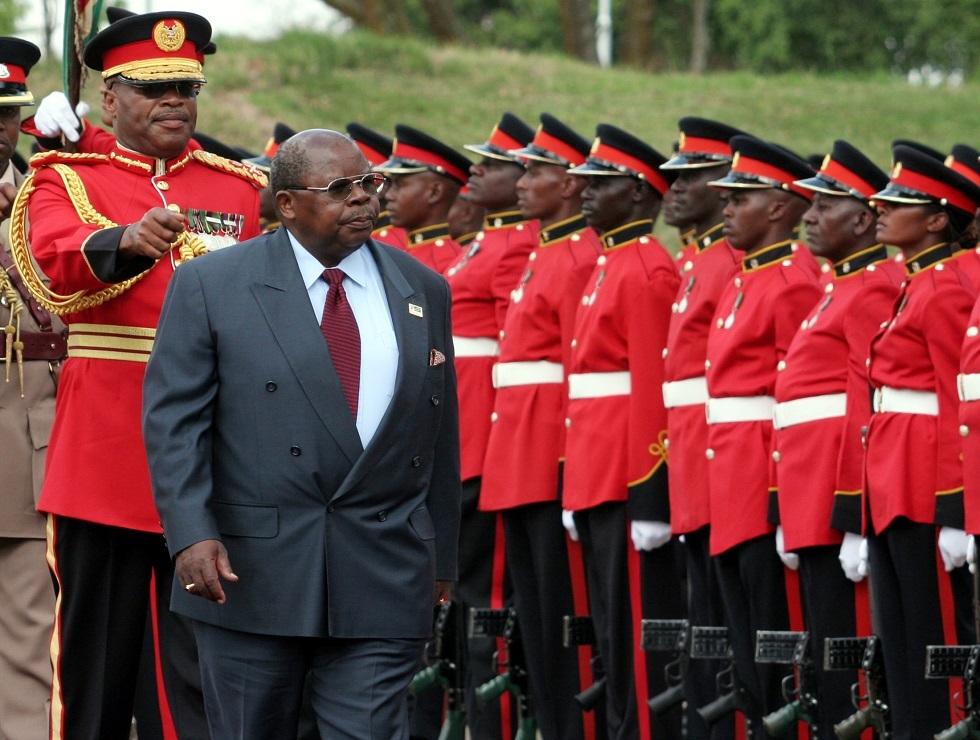 وفاة الرئيس التنزاني الأسبق بنيامين مكابا