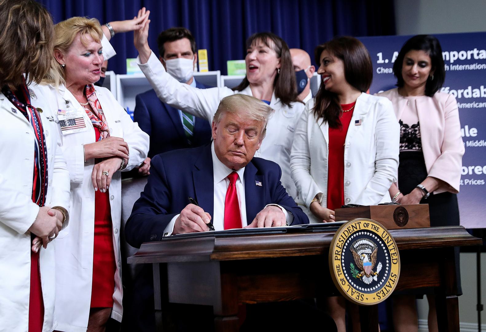 ترامب يوقع أربعة أوامر تنفيذية لخفض أسعار الأدوية في الولايات المتحدة