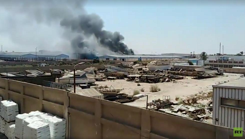 مصر.. حريق هائل في مصنع