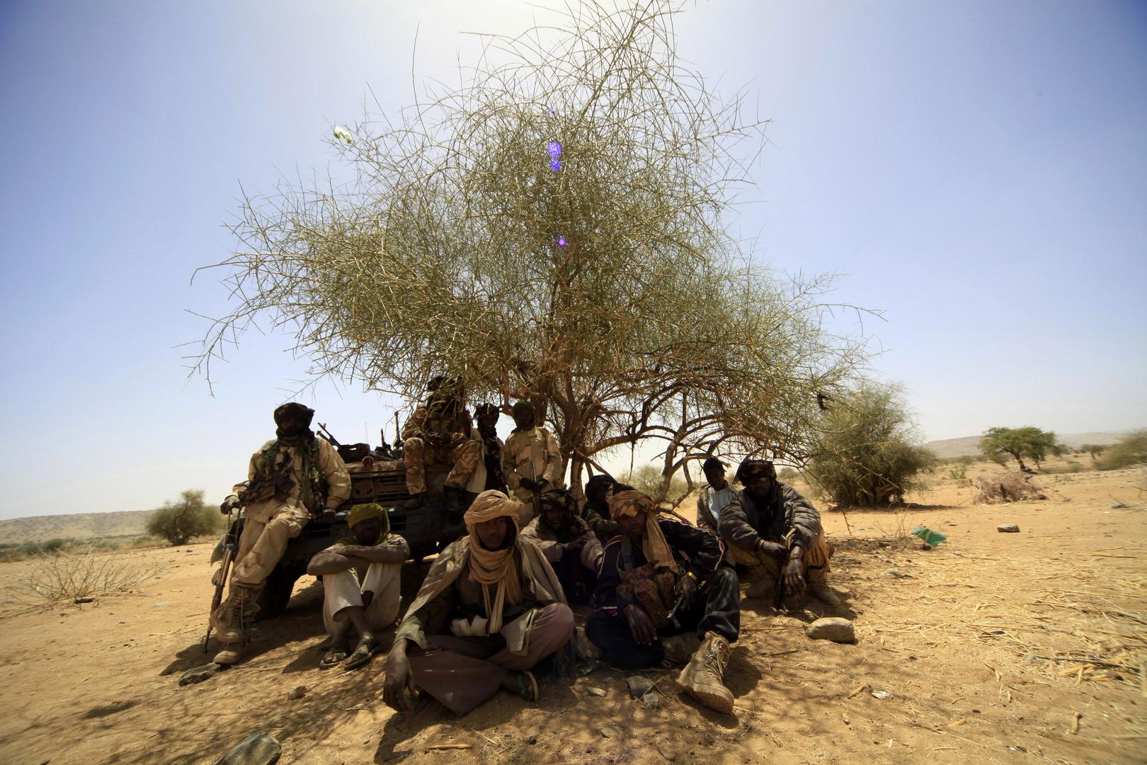 مسلحون في ولاية غرب دارفور السودانية.