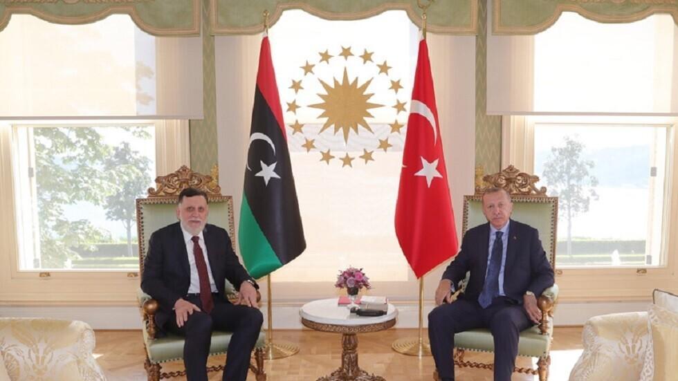 الرئيس التركي رجب طيب أردوغان ورئيس المجلس الرئاسي لحكومة الوفاق الوطني الليبية فايز السراج