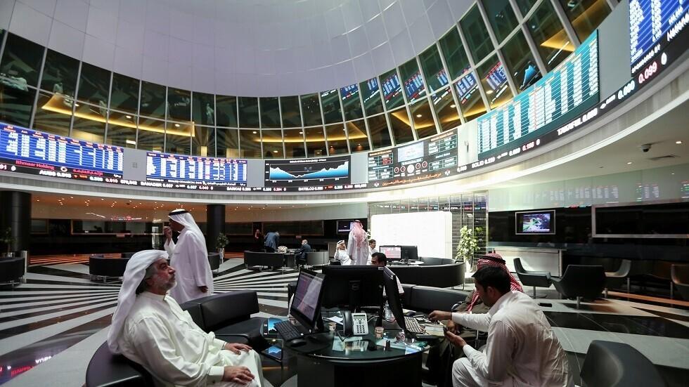 فيروس كورونا يوجه ضربة إلى بنوك الخليج