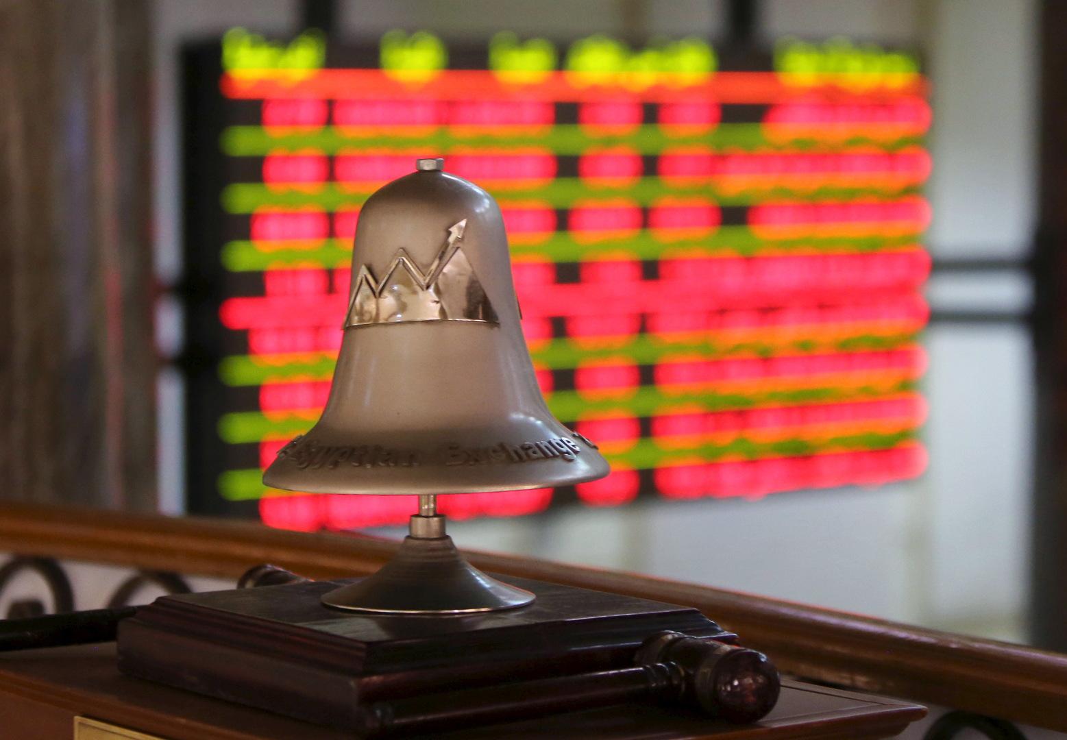 بورصة الكويت تقود انخفاض معظم أسواق الخليج وبورصة مصر ترتفع