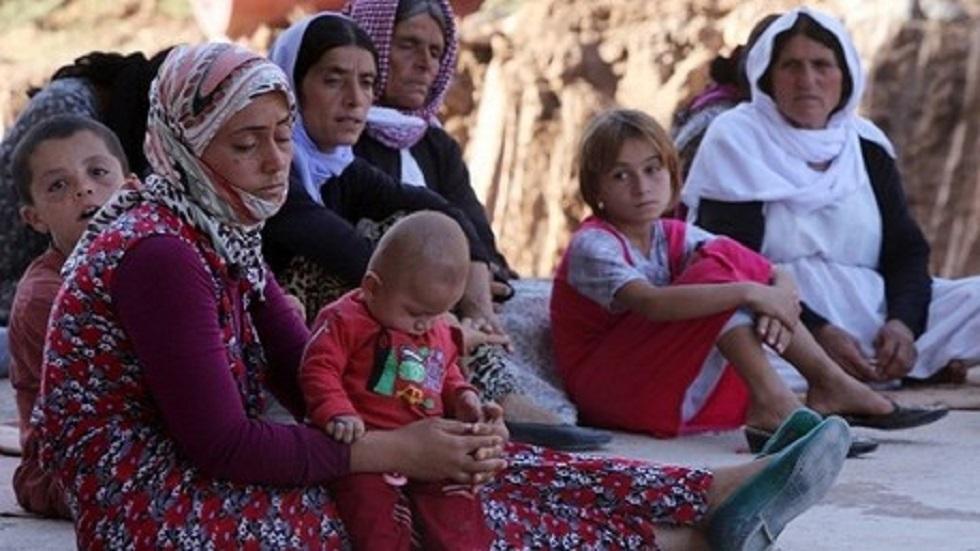 نساء وأطفال من الإيزيديين