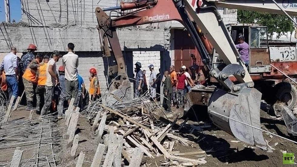 مصرع شخصين بانهيار جزئي لبناء في اللاذقية السورية
