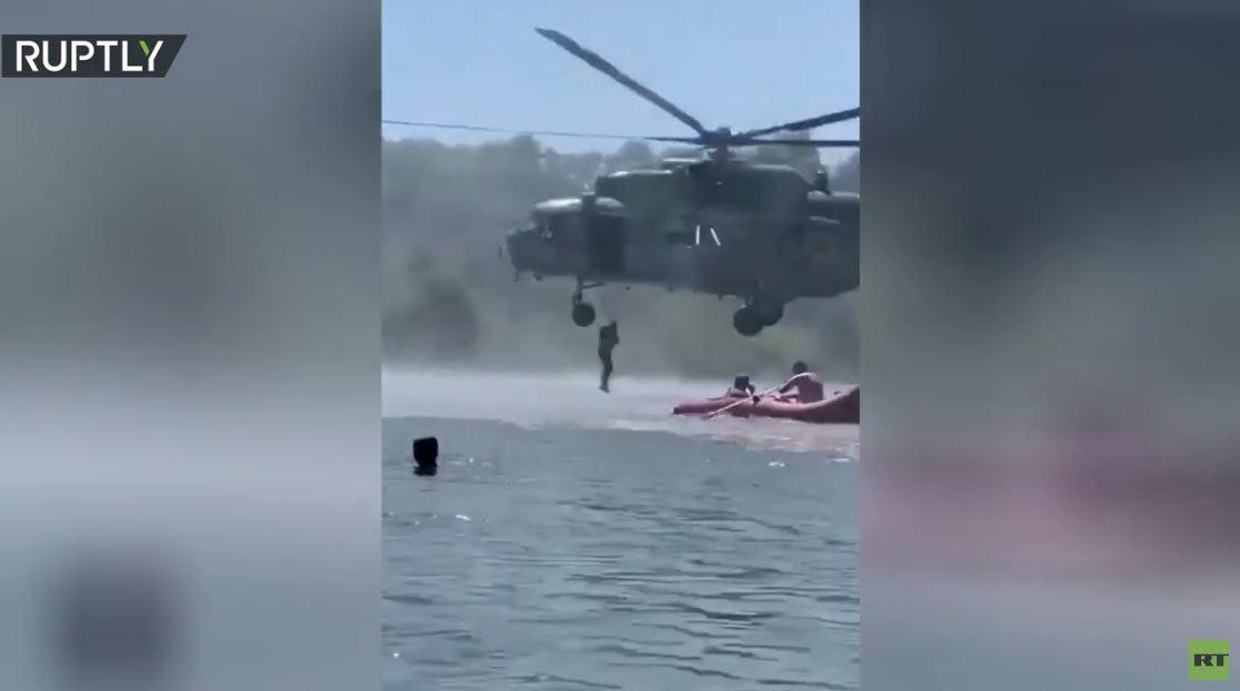 فيديو مذهل.. إنزال من مروحية على رؤوس المصطافين في أوكرانيا