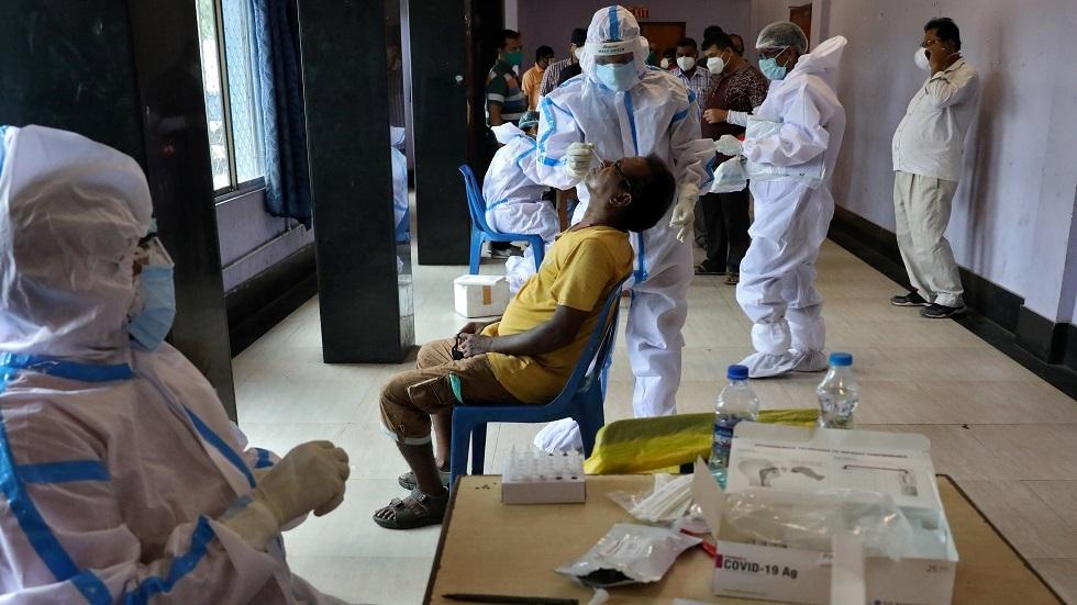 الفحوص الطبية لكورونا في الهند - أرشيف