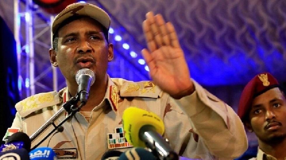 نائب رئيس المجلس العسكري الانتقالي في السودان قائد قوات الدعم السريع الفريق أول محمد حمدان دقلو