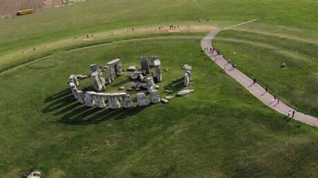 دراسة: كتل صخور نصب ستونهنج نقلت برا